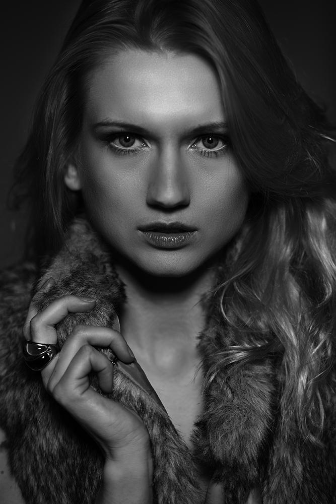 Yana Martens expression posing workshop