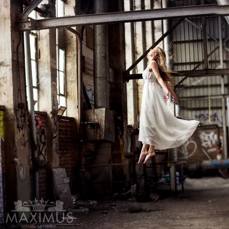 Yana Martens photography posing Workshops
